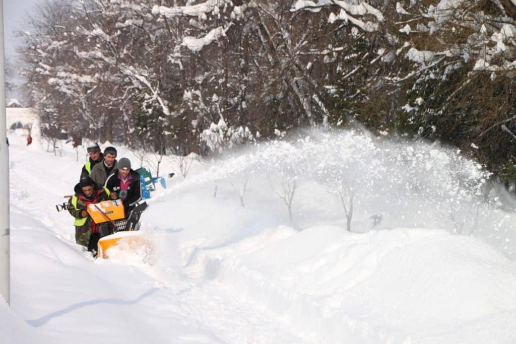 snowblower_snow_blower_blower_snow_thrower_editorial_funny_winter