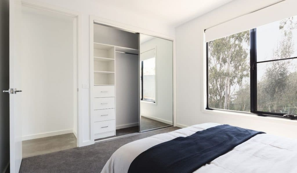 sliding closet doors mirrored full length