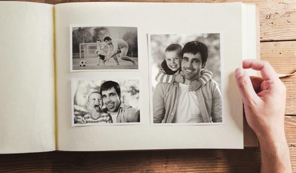 storing photos using an album